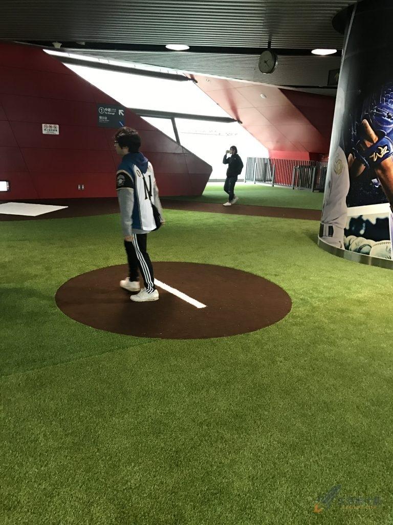 看球賽必去拍照景點Lamigo桃猿主場直接搬進機場捷運內