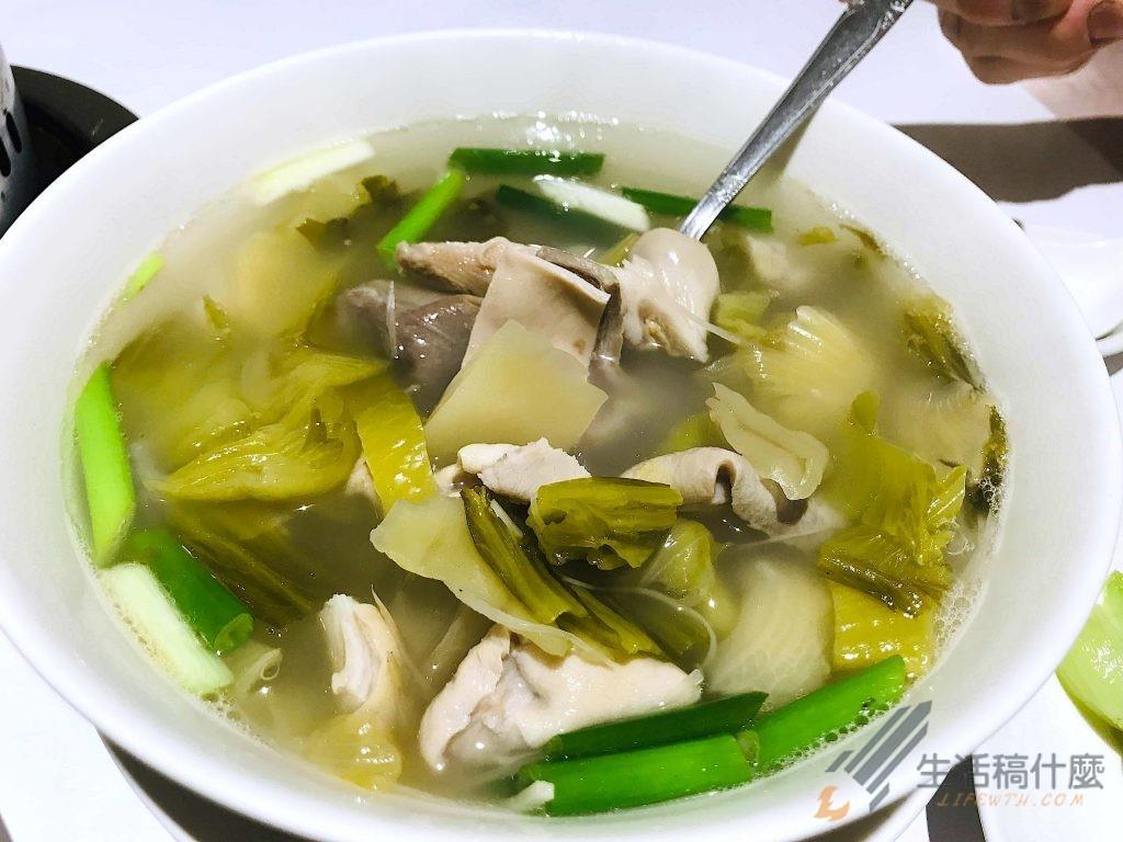 高雄明誠台菜餐廳:老婆的菜 | 適合家人朋友聚餐的中式料理 酸菜肚片湯