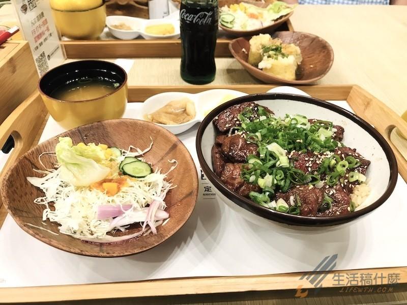 (高雄鼓山美食) 小林食堂 | 漢神巨蛋超人氣燒肉丼飯&日式豬排定食