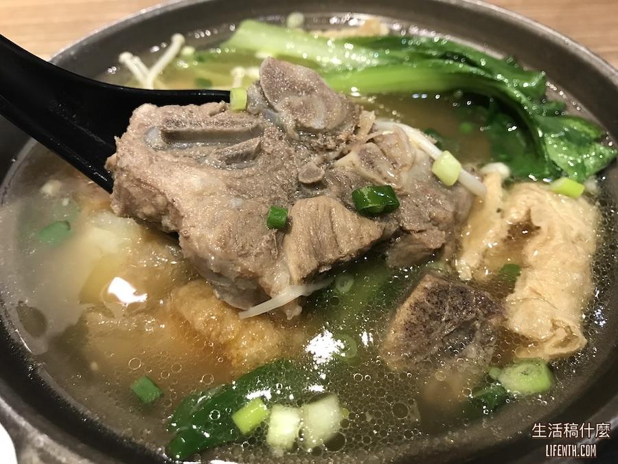 高雄異國料理 : 老巴剎 | 新加坡風味美食,推薦必吃肉骨茶、海南雞飯!
