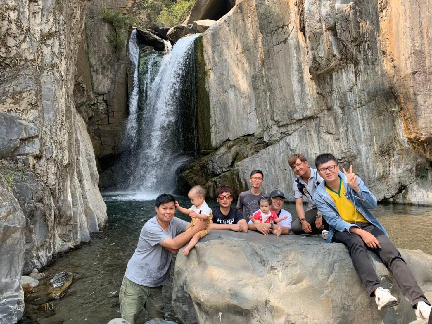 南投景點/夢谷瀑布:適合親子玩水的野溪秘境!